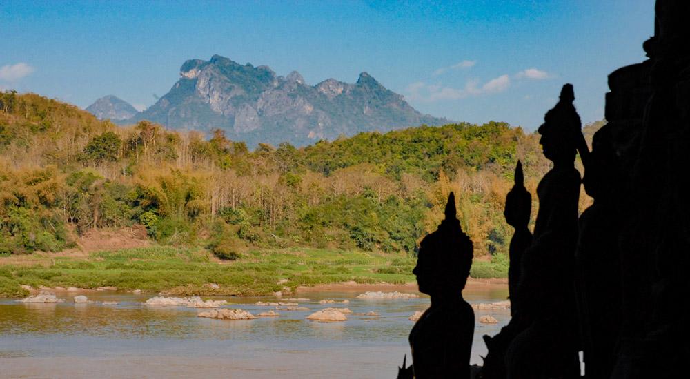 Les grottes de Pak Ou sur la rive du Mékong